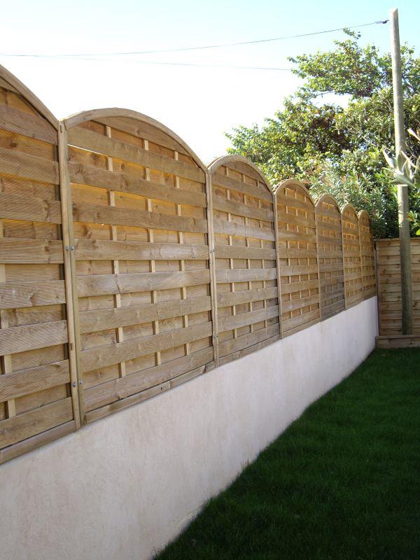 vente et pose de cl ture en bois classe 4 sausset les pins terraplant. Black Bedroom Furniture Sets. Home Design Ideas