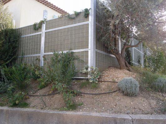 Cloture pour maison construire une clture ajoure en cdre - Construire terrasse jardin ...